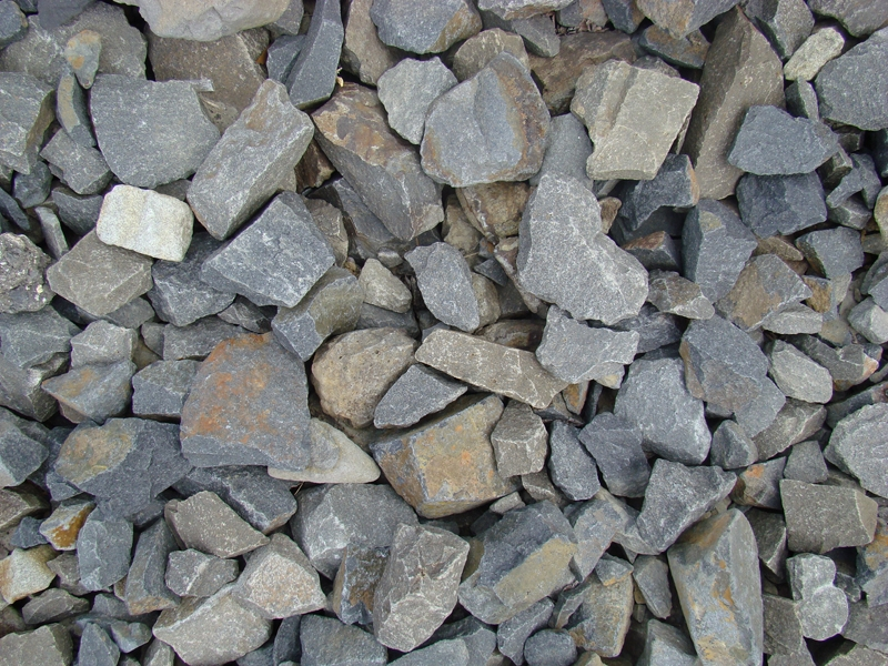 1 to 4 inch basalt rubble