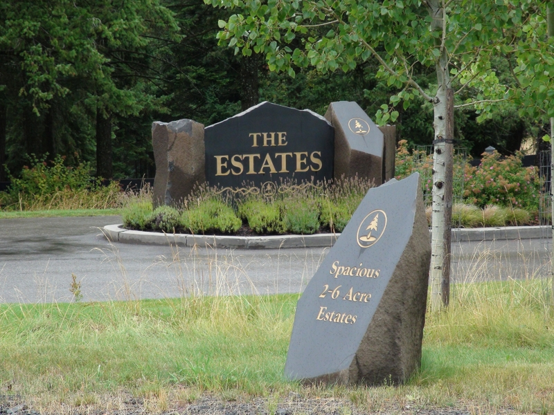 The Estates sign and markers