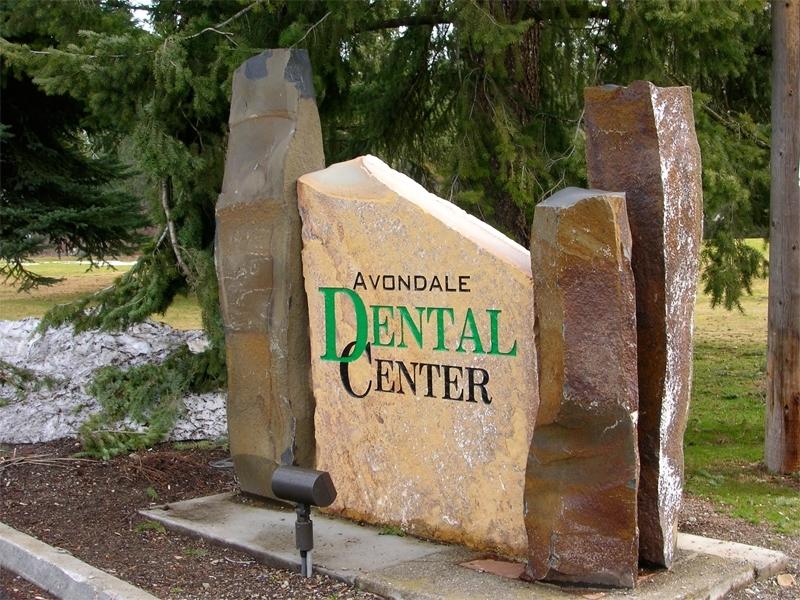 Avondale Dental Center Sign