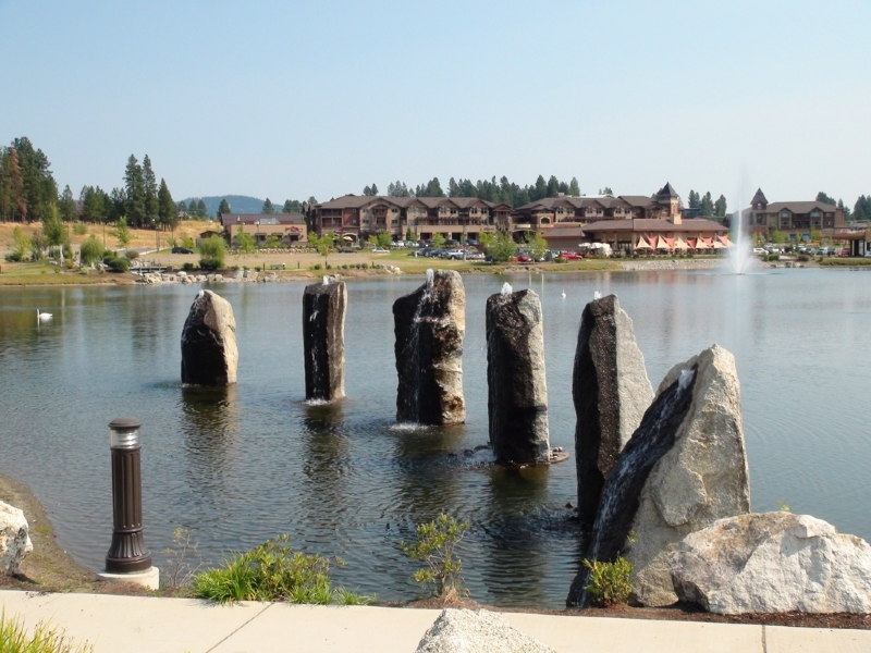Granite fountains at River Stone