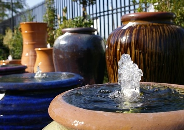 Pottery fountains tumblestone for Jacksons home and garden dallas